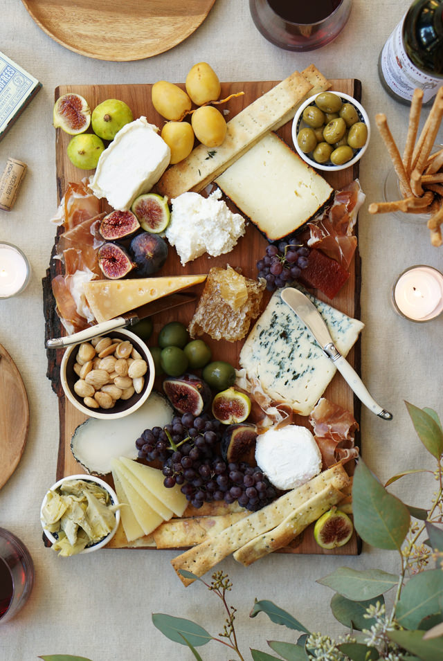 Cheese-platter-HonestlyYUM