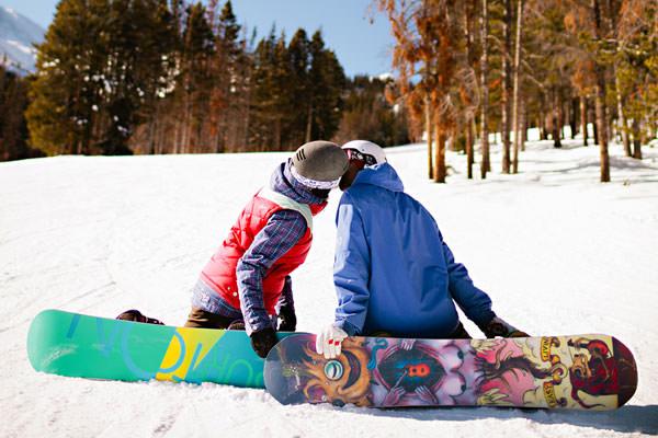 snowboarding-engagement-photos-jason-gina