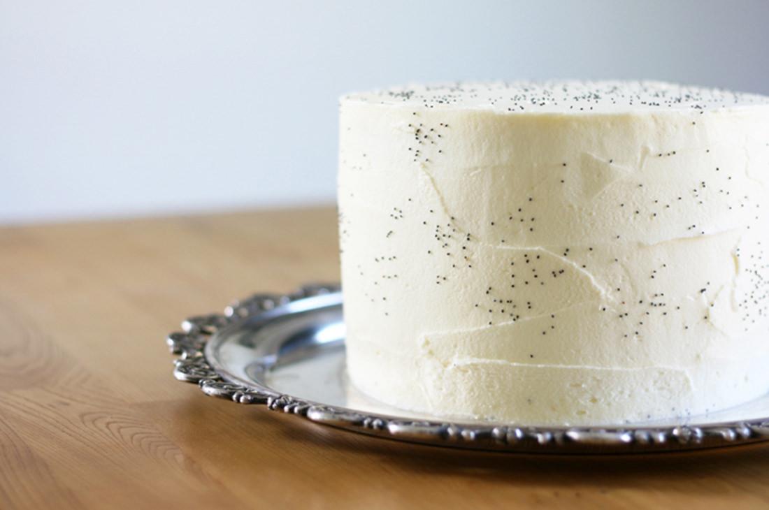 vanilla-poppyseed-cake