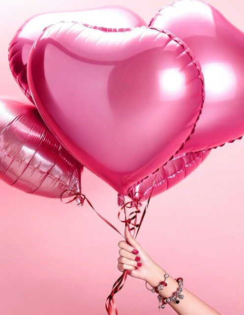Palloncini - foto via Pinterest | San Valentino in Stile | A Gipsy in the Kitchen