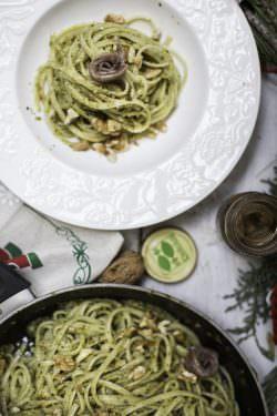 04 | Linguine con noci e acciughe | A Gipsy in the Kitchen