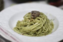 08 | Linguine con noci e acciughe | A Gipsy in the Kitchen