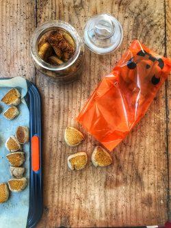 Biscotti di halloween per bimbi pelosi | A Gipsy in the Kitchen
